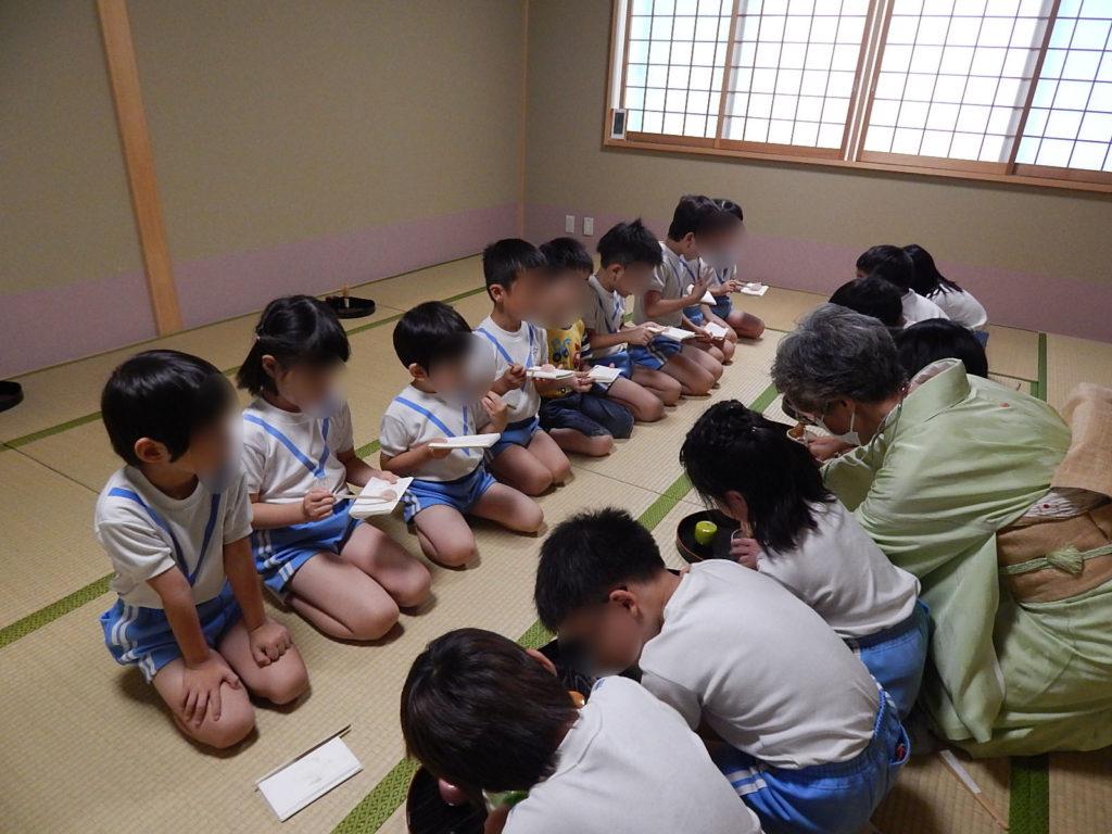こぐま保育園 お茶教室(ひかり)