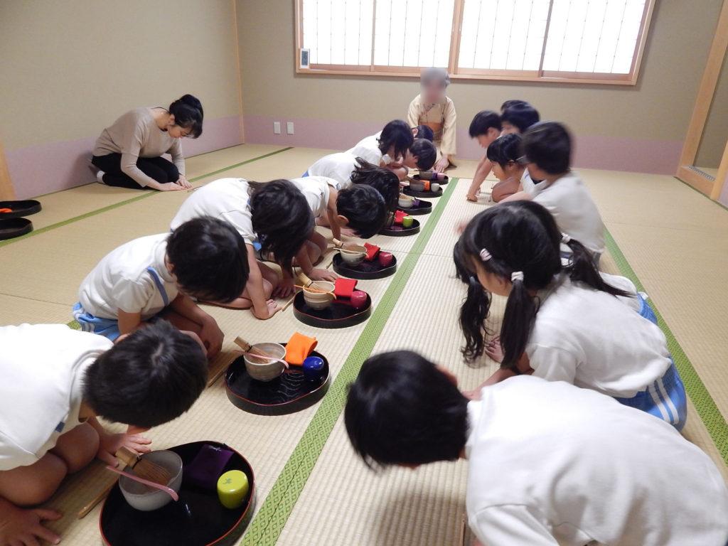 こぐま保育園 お茶教室9(ひかり)