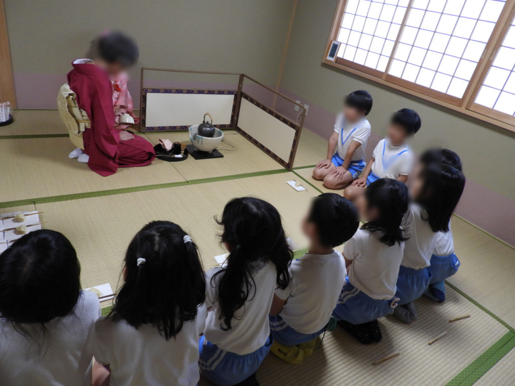 こぐま保育園 お茶教室12(ひかり)