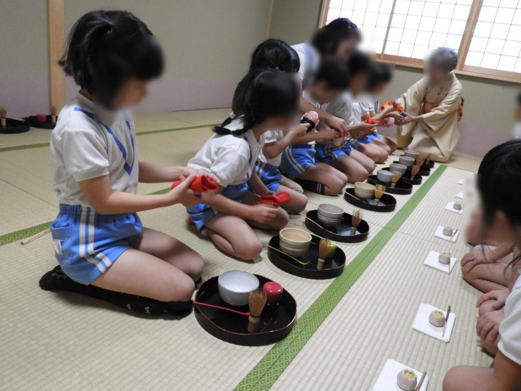 こぐま保育園 お茶教室8(ひかり)