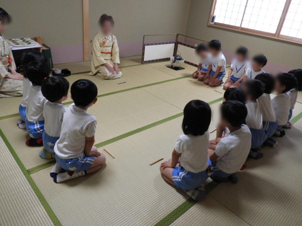 こぐま保育園 お茶教室1(ひかり)