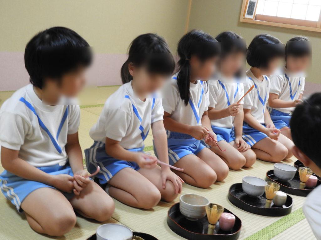 こぐま保育園 お茶教室5(ひかり)