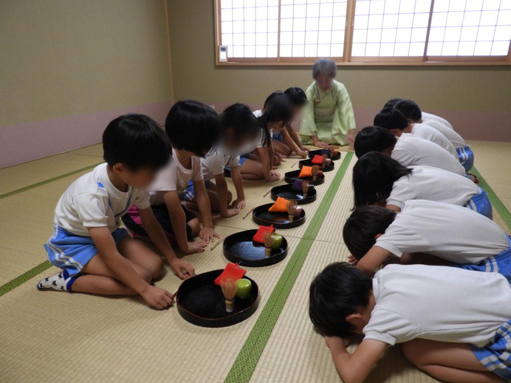 こぐま保育園 お茶教室3(ひかり)