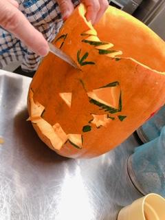 ハロウィンのかぼちゃ切り抜き